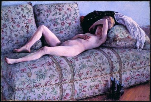 カウチの裸婦